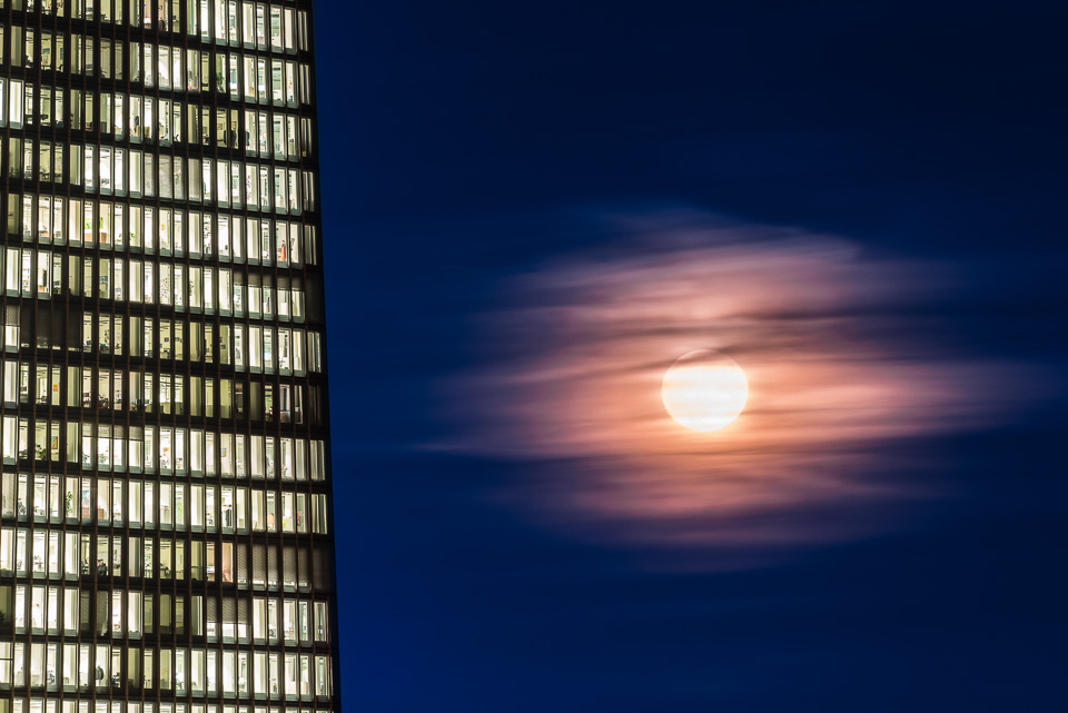 Supermoon over the ECB in Frankfurt
